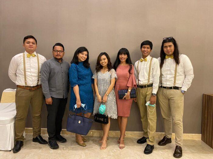 Kumpulan foto anak-anak alumni Santa Lusia Bekasi Son Of GOD
